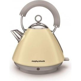 Accents Pyramid Kettle, Cream