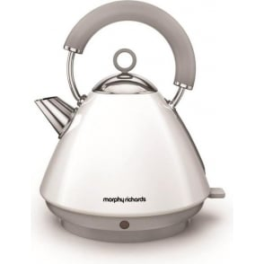Accents Pyramid Kettle, White