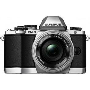 EM-10 Compact System Camera - Silver 16.1 MP with M.Zuiko ED 14-42mm F3.5-5.6 EZ Lens